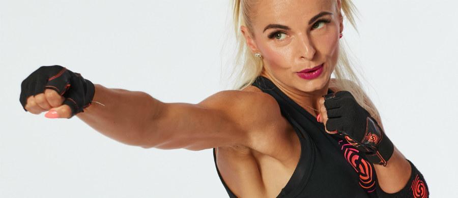 Zumba - połączenie tańca z fitnessem w rytm latynoskich rytmów salsy i merengue stworzona przez Alberto Beto Pereza, zyskała ogromną popularność. Przyjemny, radosny sposób na spędzenia aktywnie czasu, pomaga poprawić koordynację ruchową, wzmocnić mięśnie, wprowadza w dobry nastrój.