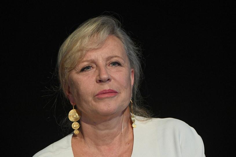 """- Ten spektakl jest o radości życia; to są nadzwyczajne opowieści, ale ich największym walorem jest to, że to wszystko są prawdziwe historie - powiedziała reżyserka spektaklu """"Mój pierwszy raz"""" Krystyna Janda. Premiera przedstawienia w Teatrze Polonia w Warszawie - 6 września."""