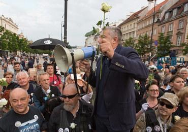 Zmiana wyroku ws. blokowania marszu smoleńskiego. Władysław Frasyniuk znów przed sądem