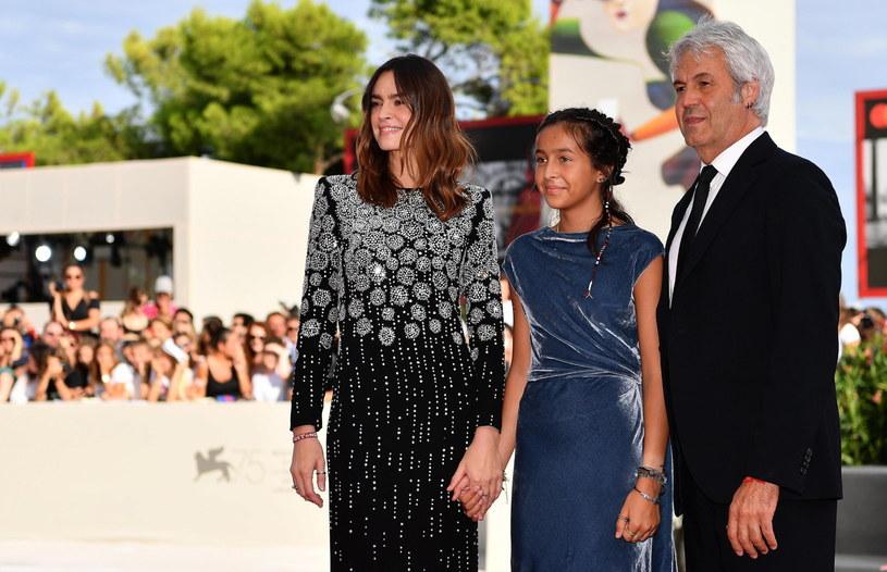 Kasia Smutniak pojawiła się z córką na czerwonym dywanie na festiwalu filmowym w Wenecji. Sophie Taricone zadebiutowała tam w dniu swych 14. urodzin, wywołując ogromną sensację.