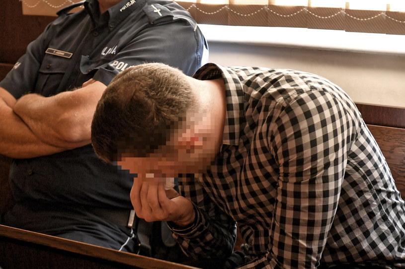 Znany polski DJ występujący pod pseudonimem Tom Swoon został skazany na karę 4 lat i 8 miesięcy więzienia. W grudniu 2017 r. będąc pod wpływem alkoholu, spowodował śmiertelny wypadek samochodowy pod Szczecinem.