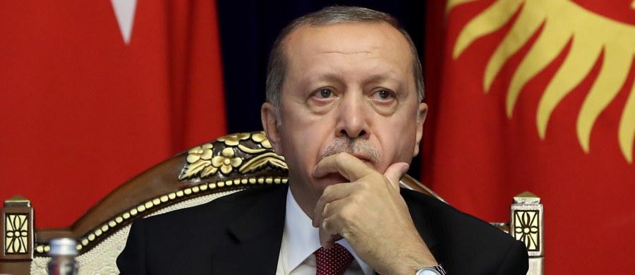 """Prezydent Turcji ostrzegł przed atakiem na prowincję Idlib, ostatnią dużą enklawę rebeliantów w Syrii. To byłaby masakra - powiedział Recep Tayyip Erdogan, którego cytuje turecki dziennik """"Hurriyet""""."""