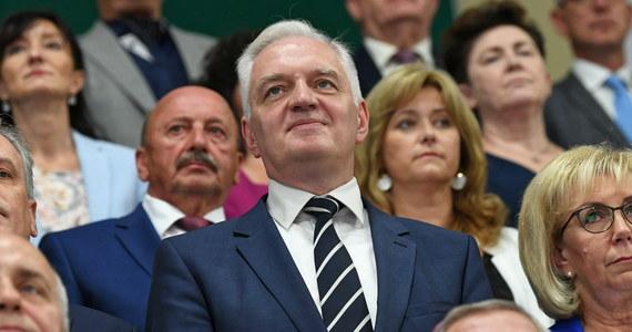Podtrzymuję to, co zapowiadałem, nadal opowiadałem się za podatkiem liniowym, jestem wolnorynkowcem - zadeklarował wicepremier, minister nauki i szkolnictwa wyższego Jarosław Gowin.