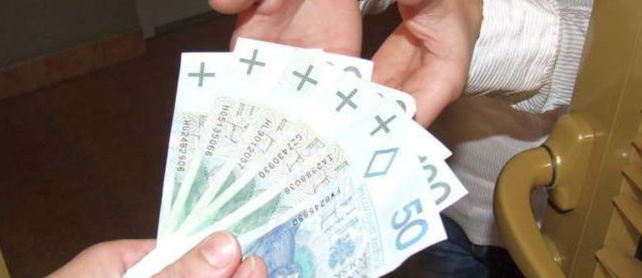 Tarnowska policja otrzymała kolejne zgłoszenia od seniorów o telefonicznych oszustach usiłujących wyłudzić od nich pieniądze. Jedna z osób dała się oszukać na 20 tys. zł.