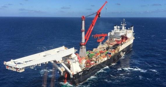 """Rosyjski Gazprom rozpoczął budowę morskiego odcinka Nord Stream 2. Prace prowadzone są ze statku """"Solitaire"""" należącego do szwajcarskiej firmy """"Allseas""""."""