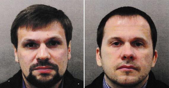 """Francja, Niemcy, Kanada i Stany Zjednoczone zgodziły się z brytyjskimi wnioskami ws. zamachu na Siergieja Skripala, że za atakiem tego byłego rosyjskiego szpiega stali oficerowie GRU. Państwa te podzielają również opinię Londynu, że do próby zabójstwa doszło """"niemal na pewno"""" za zgodą władz Rosji. We wspólnym oświadczeniu liderzy czterech państw podkreślili swoją """"wściekłość"""" z powodu użycia w Salisbury broni chemicznej i zaapelowali do Rosji o """"ujawnienie Organizacji ds. Zakazu Broni Chemicznej wszystkich szczegółów dotyczących programu (produkcji) nowiczoka""""."""