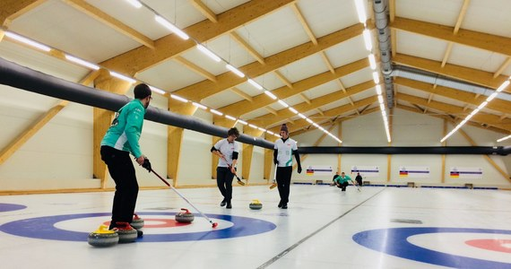 Od wtorku polscy zawodnicy mają do dyspozycji pierwszą, profesjonalną halę do curlingu. Ten obiekt powstał w Łodzi i będzie dostępny również rekreacyjnie, dla amatorów.