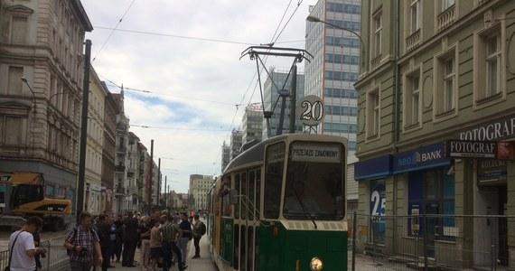 W poniedziałek, po rocznej przerwie, ul. Św. Marcin zostanie otwarta dla ruchu tramwajowego. Na swoje dawne trasy wrócą linie nr 2, 5, 9, 13, 16 oraz 201.