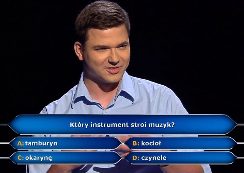 """W poniedziałek, 10 września, w programie """"Milionerzy"""" padło pytanie o główną nagrodę. Jak sobie z nim poradził Dominik Komorek?"""