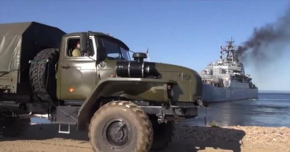 Na rosyjskim Dalekim Wschodzie rozpoczęły się ćwiczenia wojskowe pod kryptonimem Wostok-2018 z udziałem 300 tysięcy żołnierzy. Według ministerstwa obrony Rosji, ćwiczeń o tej skali nie organizowano od czasu sowieckich manewrów Zapad-81 w 1981 roku.