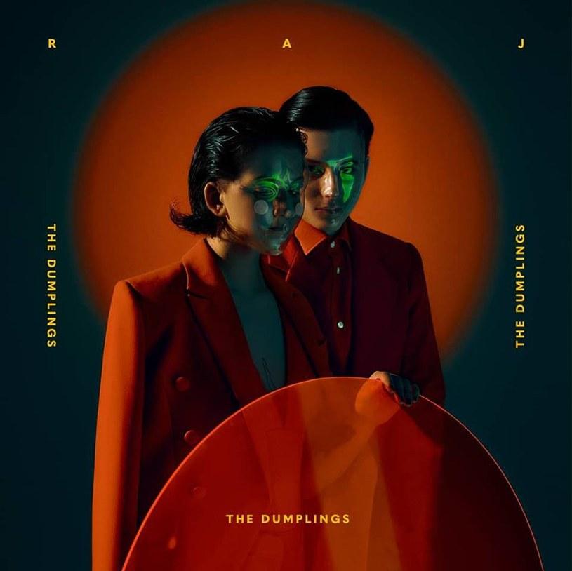 """The Dumplings szykuje się do premiery trzeciej płyty """"Raj"""", która ukaże się 21 września. W ramach promocji albumu duet w październiku wyruszy w trasę koncertową."""