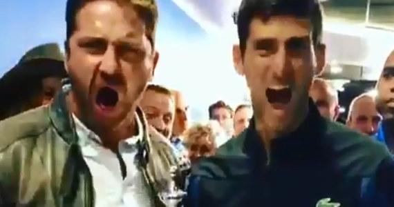 Triumfator wielkoszlemowego US Open Serb Novak Djoković awansował z szóstej na trzecią pozycję w tenisowym rankingu ATP. W poniedziałek pokonał Argentyńczyka Juana Martina del Potro (3.) 6:3, 7:6 (7-4), 6:3 w finale turnieju. Serbski tenisista wywalczył tym samym 14. wielkoszlemowy tytuł w karierze. Po finale spotkał filmowego Leonidasa, czyli Gerarda Butlera. Zobaczcie na nagraniu, co przyniosło to spotkanie!