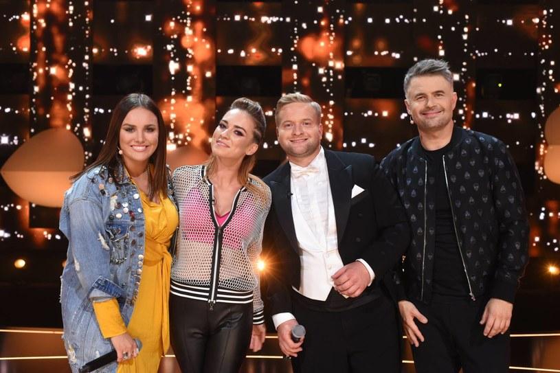"""Finalistka """"Must Be The Music"""" Kasia Grzesiek podbiła serca jurorów nowego muzycznego show Polsatu """"Śpiewajmy razem. All Together Now"""" i pewnie awansowała do finału. Kto jeszcze zachwycił 100-osobowe jury?"""