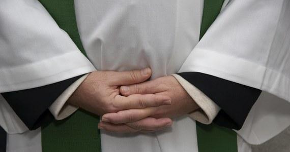 """Powstaje interaktywna mapa, która ma pokazać skalę nadużyć seksualnych wśród osób duchownych - donosi czwartkowa """"Rzeczpospolita"""". Mapa ma ruszyć w październiku."""
