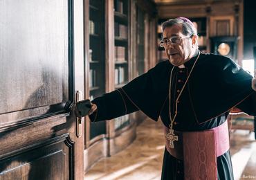 """Film """"Kler"""", czyli uzdrawianie Kościoła za pomocą siekiery"""