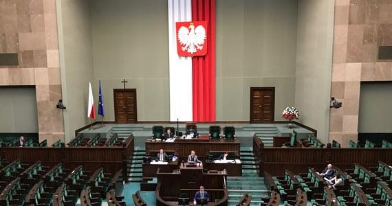Posłowie we wrześniu się nie przepracują. Posiedzenie, po 52-dniowej wakacyjnej przerwie, trwało tylko dwa dni - informuje dziennikarz RMF FM Patryk Michalski.