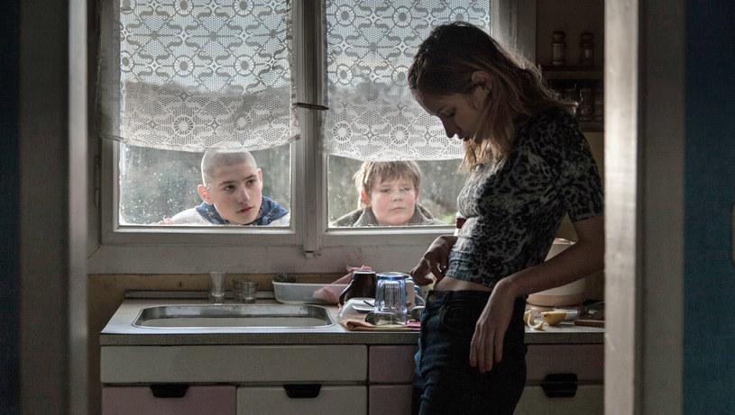 """Polska koprodukcja zatytułowana """"Kawki na drodze"""" w reżyserii Olmo Omerzu, została czeskim kandydatem do Oscara w kategorii najlepszy film nieanglojęzyczny - podały w czwartek, 13 września, tamtejsze media."""