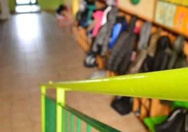 7-latek chciał zdążyć na autobus. Wyskoczył z okna w sali lekcyjnej