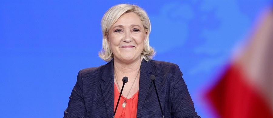 Centrowa partia prezydenta Francji Emmanuela Macrona La Republique en Marche (LREM) i skrajnie prawicowe Zjednoczenie Narodowe (RN) Marine Le Pen idą łeb w łeb przed przyszłorocznymi wyborami europejskimi - wynika z najnowszego sondażu.
