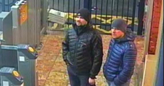 Dwóch dziennikarzy poinformowało, że zadzwonili na numer telefonu podany w dokumentach Aleksandra Pietrowa - jednego z podejrzanych o otrucie Siergieja Skripala i jego córki Julii. Osoba, która odebrała poinformowała ich, że dodzwonili się... do rosyjskiego ministerstwa obrony.
