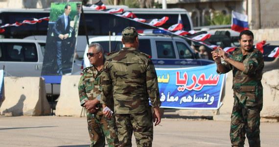 """Syryjskie media rządowe poinformowały w sobotę, że obrona przeciwlotnicza zestrzeliła liczne izraelskie rakiety i odparła """"akt agresji"""". Rzeczniczka izraelskiej armii powiedziała, że Izrael nie komentuje zagranicznych doniesień."""