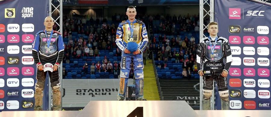 Leon Madssen zwyciężył w czwartym, ostatnim turnieju tegorocznego cyklu indywidualnych mistrzostw Europy na żużlu. Duńczyk zdobył tytuł mistrzowski. Jarosław Hampel w końcowej klasyfikacji zajął drugie miejsce. Zawody rozegrano na Stadionie Śląskim w Chorzowie.