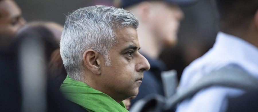 """Burmistrz Londynu Sadiq Khan zaapelował o ponowne referendum w sprawie Brexitu. Zarzucił premier Theresie May, że prowadzone przez nią negocjacje """"pogrążyły się w chaosie i impasie""""."""