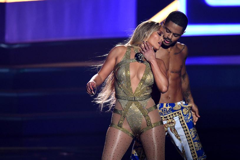 Jennifer Lopez w lipcu tego roku skończyła 49 lat, ale wyglądu pozazdrościć jej mogą o wiele młodsze koleżanki.