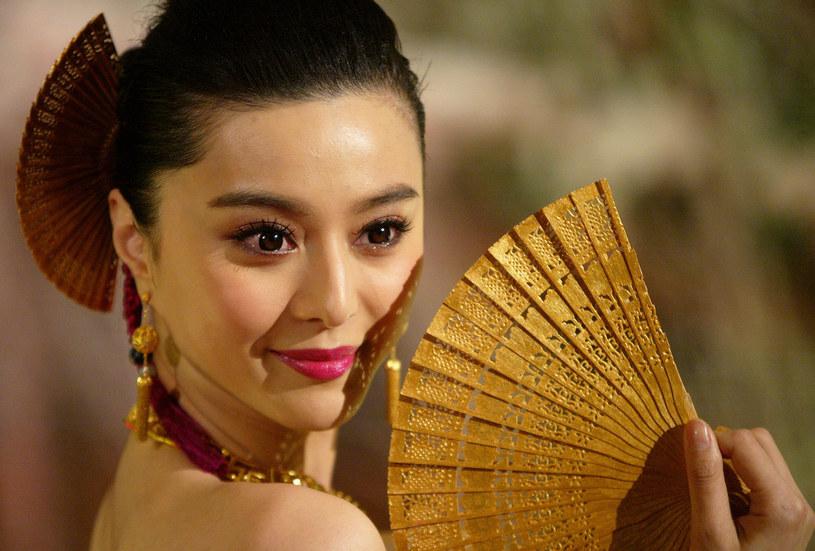 """Znana z filmów """"X-Men"""" i """"Iron Men"""" Fan Bingbing zniknęła. Słuch o popularnej aktorce zaginął trzy miesiące temu. Media spekulują, że kobieta unikała płacenia podatków i została zatrzymana przez chińskie władze."""