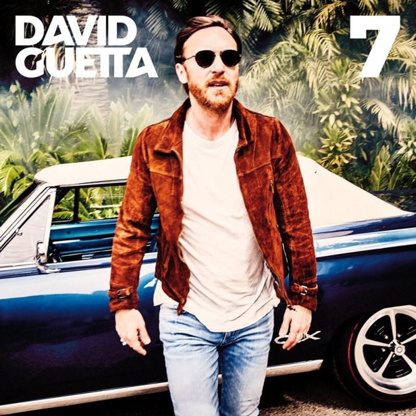 David Guetta sprytnie to sobie wymyślił. Chciał zadowolić wszystkich i sukces osiągnął w 50 proc. Dobre i to!