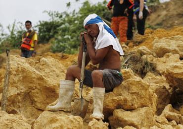 Ziemia osunęła się na Filipinach po przejściu huraganu. Są zabici i ranni