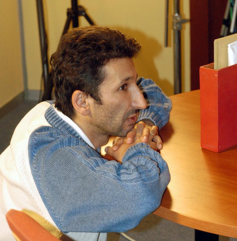 """Pochodzący z Tadżykistanu Okił Chamidow przez 24 lata pobytu w Polsce zyskał w świecie telewizji status człowieka-instytucji. Reżyserował takie hity, jak """"Świat według Kiepskich"""", czy """"Fala zbrodni"""". Teraz jego oczkiem w o głowie jest nowy serial kryminalny """"Ślad""""."""