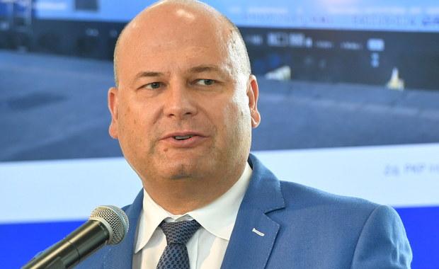 Wiceminister inwestycji i rozwoju Witold Słowik złożył dymisję. Rezygnacja została przyjęta przez premiera Mateusza Morawieckiego. Od piątku Słowik będzie pełnił obowiązki prezesa Polskiej Grupy Zbrojeniowej.