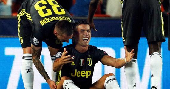 Piłkarz Juventusu Turyn Cristiano Ronaldo 27 września dowie się, ile potrwa jego zawieszenie w związku z czerwoną kartką, jaką Portugalczyk zobaczył w środowym meczu Ligi Mistrzów z Valencią (2:0). Tego dnia zbierze się komisja dyscyplinarna UEFA.