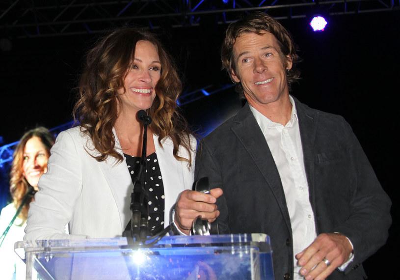 Julia Roberts i Daniel Moder są małżeństwem od 16 lat. Para rzadko pojawiała się razem, co spowodowało masę plotek na temat ich relacji.