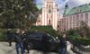 RMF: Wjechał porsche na rynek w Poznaniu. Uciekając, staranował radiowozy