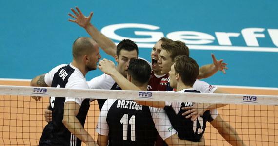 Z Serbami i Włochami zmierzą się polscy siatkarze w grupie J w trzeciej rundzie mistrzostw świata. W grupie I powalczą Brazylijczycy, Amerykanie i Rosjanie. Zobaczcie dokładny terminarz spotkań!