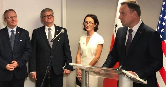USA są jednym z najlepszych, najbardziej wypróbowanych przyjaciół Polski, również w sprawach gospodarczych; chcemy przenieść relacje z USA na wyższy poziom - powiedział prezydent Andrzej Duda, otwierając Zagraniczne Biuro Handlowe PAIH w Nowym Jorku. Prezydent rozpoczął w poniedziałek trzydniową wizytę w Nowym Jorku, w czasie której będzie m.in. uczestniczył w debacie generalnej 73. Sesji Zgromadzenia Ogólnego ONZ oraz w posiedzeniu Rady Bezpieczeństwa ONZ.