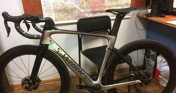 Skradziony w Holandii rower wart 12,5 tys. euro odzyskali policjanci z Tarnowa Podgórnego  w Wielkopolsce. Jednoślad wrócił już do właściciela. Policjanci podkreślają, że to jedyny taki rower na świecie.