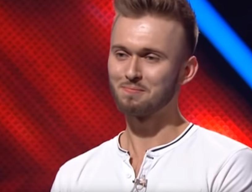 """21-letni Szymon Grzybacz spod Rabki zachwycił jurorów ukraińskiej wersji """"X Factor""""."""