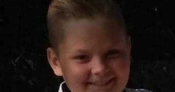 12-letni chłopiec uratował życie młodszej siostrze, wyciągając ją z płonącego domu. Do zdarzenia doszło we wtorek w Dąbrówce w powiecie piotrkowskim. Pożar spowodowany był prawdopodobnie wadą instalacji elektrycznej.