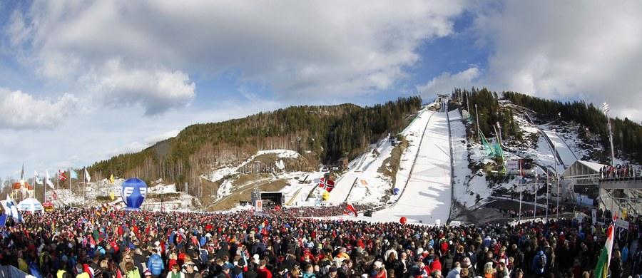 Norweska skocznia mamucia w Vikersund, pomimo ostrzeżeń Międzynarodowej Federacji Narciarskiej (FIS), wciąż nie dokonała potrzebnych zmian obiektu i może już w piątek zostać usunięta z kalendarza Pucharu Świata. Tym samym turniej Raw Air ominie ten obiekt.