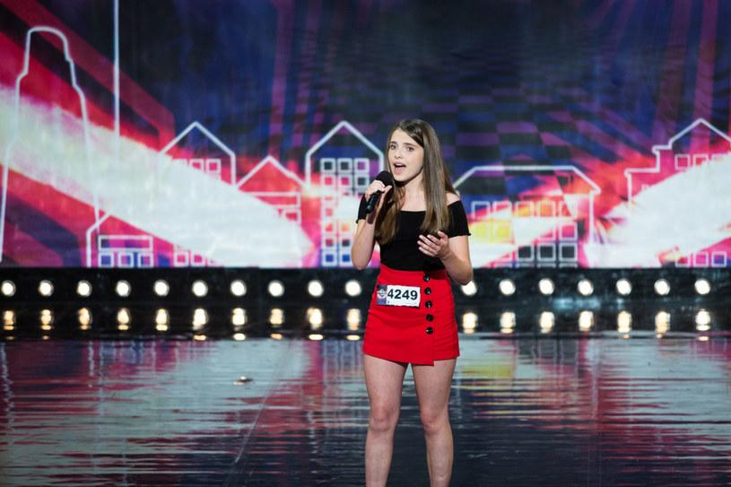 """W sobotę, 29 września, zobaczymy czwarty castingowy odcinek """"Mam talent"""". Tylko u nas możecie przedpremierowo zobacz fragment programu z występem 14-letniej Ewy Jurkowskiej."""