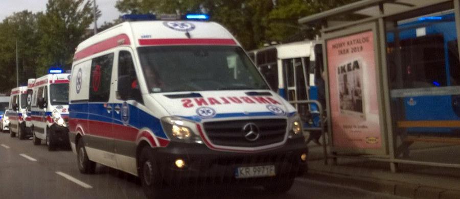 Dwa tramwaje zderzyły się na ul. Teligi w Krakowie. Cztery osoby zostały ranne. Zdjęcia z miejsca zdarzenia dostaliśmy na Gorącą Linię RMF FM.