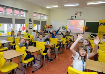 Meble, które dają radość. Nowa Szkoła wspiera akcję Lepsze Jutro z RMF FM