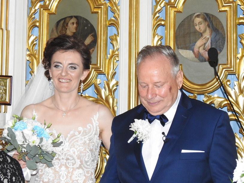 """Dzięki programowi """"Rolnik szuka żony"""" do ołtarza popędziło już czterech uczestników programu TVP. To jednak nie koniec ślubnych atrakcji."""