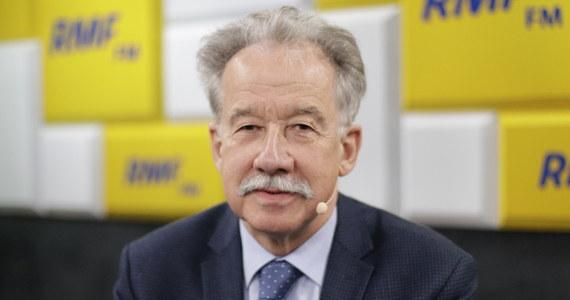 """""""Zawsze będą osoby niezadowolone, które będą twierdziły, że gdzieś zostały sfałszowane wybory. Jestem przekonany, że nikt nie zarzuci nam, że wybory zostały całkowicie sfałszowane - dla osoby racjonalnie myślącej taki zarzut jest niemożliwy do postawienia"""" - stwierdził w Popołudniowej rozmowie w RMF FM Wojciech Hermeliński - szef Państwowej Komisji Wyborczej pytany o wybory samorządowe. """"Mam pewność, że będzie sprawnie. Mam pewność, że będzie transparentnie. Mam też prawie pewność, że będzie szybko"""" - dodał."""