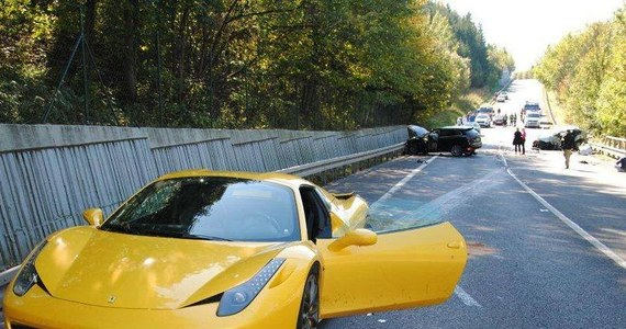 Słowacka policja chce kary więzienia dla wszystkich trzech polskich kierowców luksusowych samochodów, którzy w niedzielę urządzili sobie wyścigi na drodze publicznej i doprowadzili do śmiertelnego wypadku. Grozi im do pięciu lat więzienia.