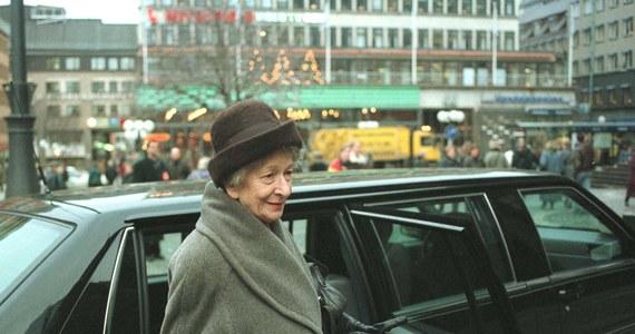 Dziś mijają 22 lata od przyznania Wisławie Szymborskiej literackiej nagrody Nobla. 3 października 1996 roku poetka pisała wiersz w swoim pokoju w Domu Pracy Twórczej Astoria w Zakopanem, kiedy zadzwonił do niej pracownik Akademii Szwedzkiej.