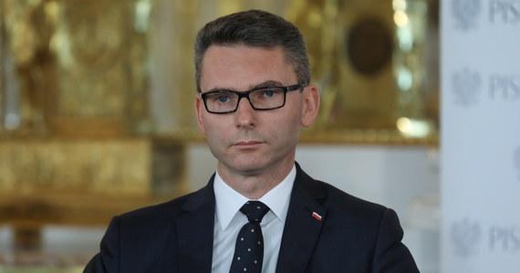 Polski ambasador w Rzymie Konrad Głębocki po trzech tygodniach od złożenia listów uwierzytelniających podał się do dymisji - ustaliła nieoficjalnie dziennikarka RMF FM Katarzyna Szymańska-Borginon.
